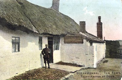 Allen Clarke outside the Dug un Kennel public house, Bolton c1905. The public house on Tonge Fold Road was also known as the Park View.
