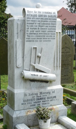 The grave of Richard Gorton Barlow in Layton Cemetery, Blackpool, 2004.