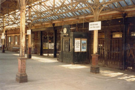 Entrance to the platform from the booking hall.