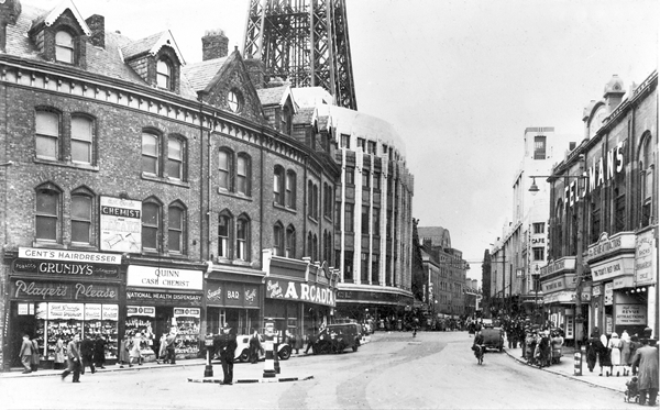 Bank Hey Street, Blackpool c1950 with Feldman's Theatre to the right.