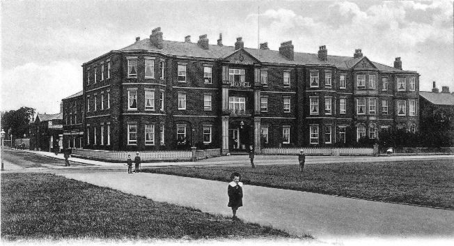 The Clifton Arms Hotel in the early 1900s.