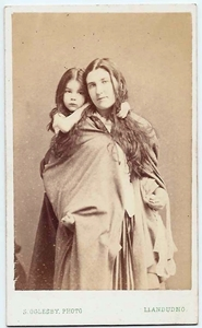 Carte de visiteportrait of a gypsy mother & daughter by Samuel Oglesby, Llandudno.