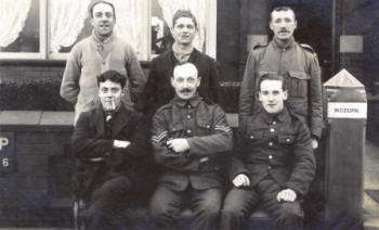 Soldiers billeted at a house in Lytham c1915