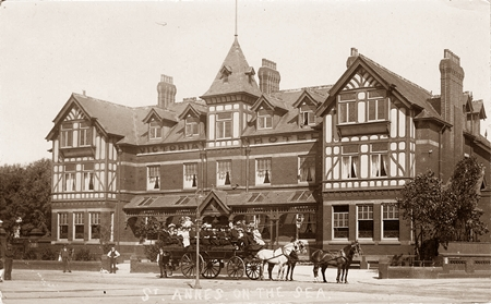 The Victoria Hotel viewed from St.Alban's Road c1908.