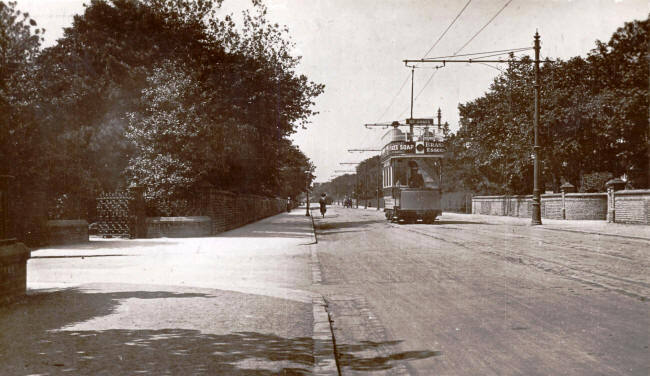 Blackpool, St.Annes & Lytham Tramways electric car no.17 passing Lowther Gardens, Lytham c1910