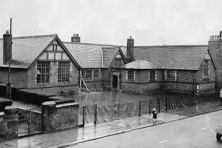 Photo of Wesham Church of England School, 1954.